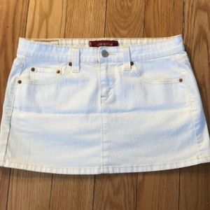 Levi's low slouch skirt in white